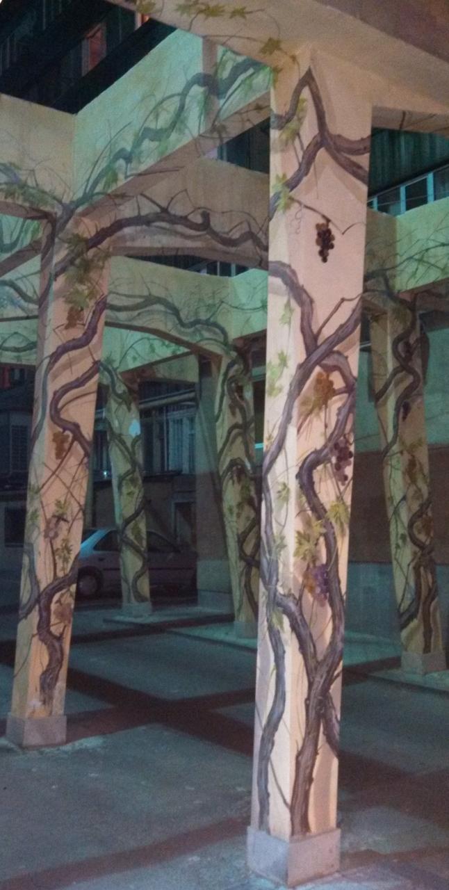Yerevan tunnel art - The Armenite (1) (646x1280)