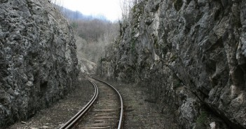 Train tracks - The_Armenite